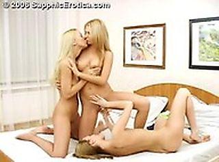 Toying Threesome screenshot #11