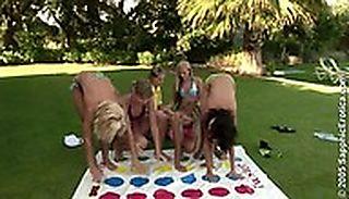 Twister Orgy screenshot #2
