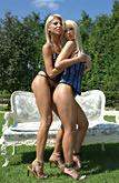 Clara G & Jasmin pic #4