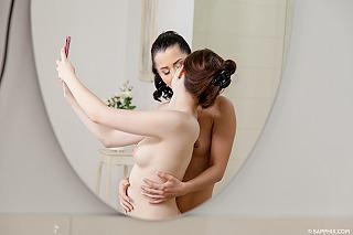 Bathtub Brunettes pic #3