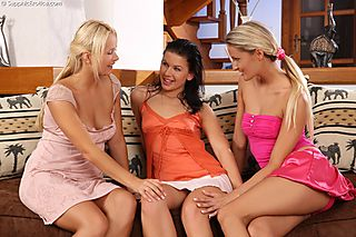 Luscious Threesome pic #1