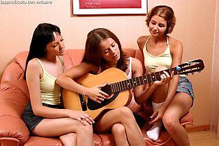 Guitar Adoration pic #1
