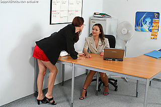 Office Lovers pic #3